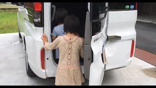 getlinkyoutube.com-【新型】ホンダ ステップワゴン ワクワクゲートであそびました New Japanese car TOYOTA HONDA STEP WGN 2015