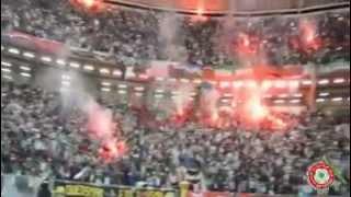 الجمهور الجزائري يشعل ملعب رادس في تونس