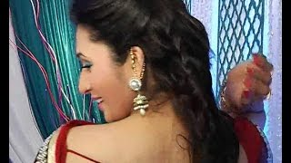 getlinkyoutube.com-Divyanka Tripathi @Exposing Hot Backless Blouse