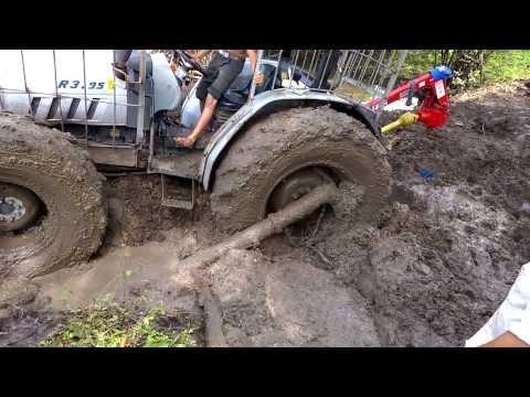 Tractor enterrado