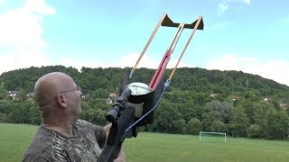 getlinkyoutube.com-Winning The FIFA World Cup With The Slingshot