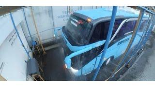 getlinkyoutube.com-Tahapan Akhir Body Bis di dalam Karoseri | Rain Test | Leak Test | Adiputro