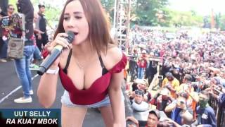 UUT SELLY NGAK KUAT MBOK DANGDUT KOPLO HOT 2017!!