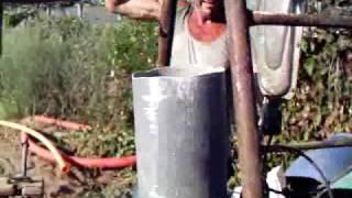 getlinkyoutube.com-pozo a mano para riego ( mantenimientospapaseit ) parte 5