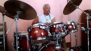 getlinkyoutube.com-Mestre Nino de Jaú, maior baterista de samba do mundo!!!