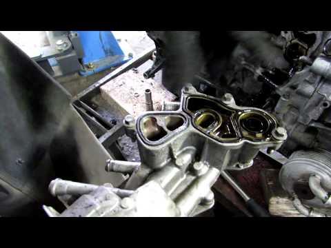 Течет масло Ситроен Пежо. Распространённая проблема двигателя EP6.