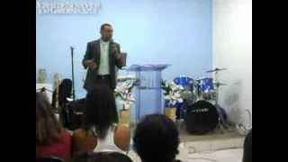 getlinkyoutube.com-Pregação - Uma Mesa no Deserto - Pastor Ednir Amaral