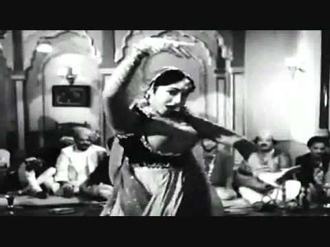 vyajyantimala dancing queen..kaho ji tum kya kya kharidoge-lata-Sahir Ludhianvi-n.dutta