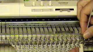 getlinkyoutube.com-Lesson 9 Latch Tool Bind Off