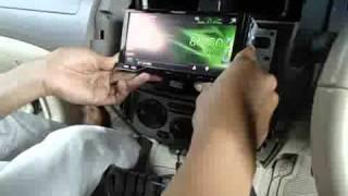 getlinkyoutube.com-pemasangan double din dvd player with monitor di grand livina 4