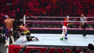 getlinkyoutube.com-Rey Mysterio & Sin Cara vs. Primo & Epico: Raw, October 1, 2012