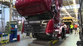 getlinkyoutube.com-Scania Legend 2013: Watch a Scania R 730 V8 Streamline come to life