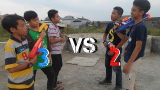 getlinkyoutube.com-Nerf War : 2 vs 3!