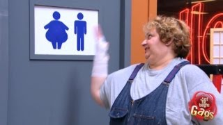 كاميرا خفية / حمّام امرأة سمينة