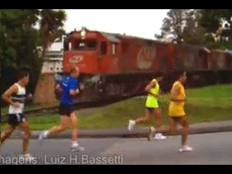 Trem Com Maratona Não Combinam...E Quase Gera Acidente Fatal...