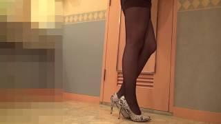 getlinkyoutube.com-タイトミニスカートに黒パンストです~♥
