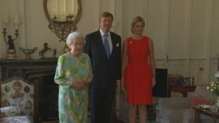 getlinkyoutube.com-Queen Elizabeth hosts the first visit to Britain by new Dutch monarch and consort
