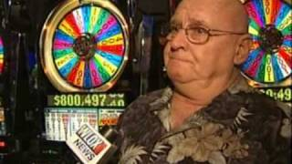 getlinkyoutube.com-World record Wheel of Fortune slot jackpot at Hard Rock Casino Biloxi