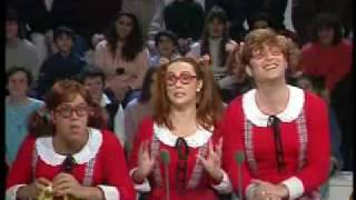 getlinkyoutube.com-De Caunes et Garcia - Les soeurs Trio