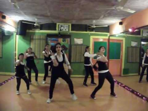 lat lag gayee - race 2 dance performance by step2step dance studio,09888697158