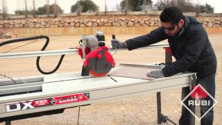 getlinkyoutube.com-Wet Saw Tile Cutter - Cortador Eléctrico RUBI DX 250
