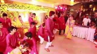 getlinkyoutube.com-Rezwan & Fariya Gaye Holud Dance Performance