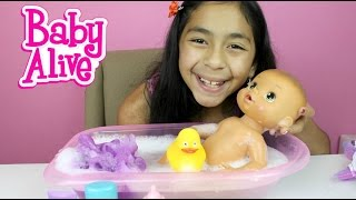 getlinkyoutube.com-Baby Alive Doll Bath Time Doll Review and Play |B2cutecupcakes