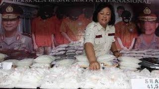 getlinkyoutube.com-Berita 7 Juli 2015 - VIDEO Transaksi Sabu, Anggota DPRD Kota Tangerang Ditangkap