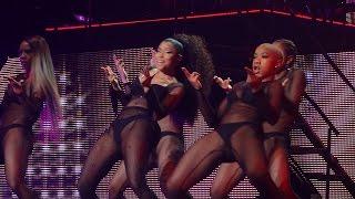 getlinkyoutube.com-Nicki Minaj - Feeling Myself (ft. Beyonce) (Live in Brussels, Belgium - The Pink Print Tour - HD)