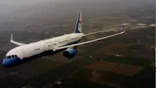 getlinkyoutube.com-Air Force Two Carrying Vice President Joe Biden Hits Birds Over Southern California