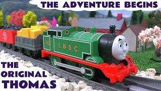 getlinkyoutube.com-Thomas and Friends Walmart Trackmaster Original Thomas y sus Amigos The Adventure Begins Tomac Toy