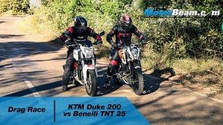 getlinkyoutube.com-KTM Duke 200 vs Benelli TNT 25 - Drag Race   MotorBeam