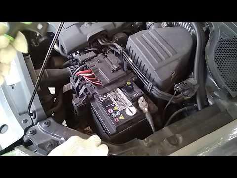 Volkswagen Ameo Battery change tutorial