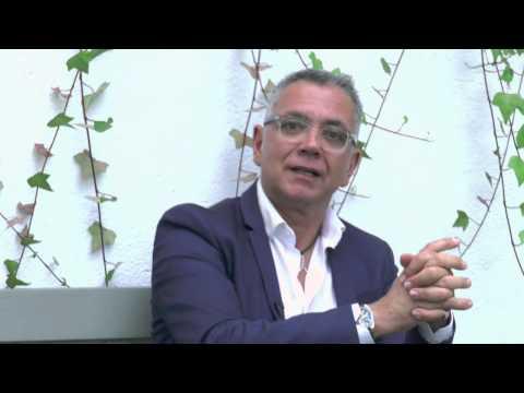 Juan Ramón Lucas presenta el libro Hablemos sobre felicidad