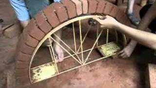 getlinkyoutube.com-Auroville Earth Institute - Semicircular arch without mortar