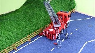 getlinkyoutube.com-Der Feuerwehreinsatz mit dem Bruder Feuerwehrauto (Fire-fighting with a Bruder fire truck)