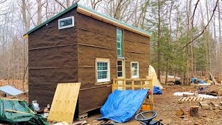getlinkyoutube.com-Off Grid Tiny House - Made From Recycled Materials - Cheap