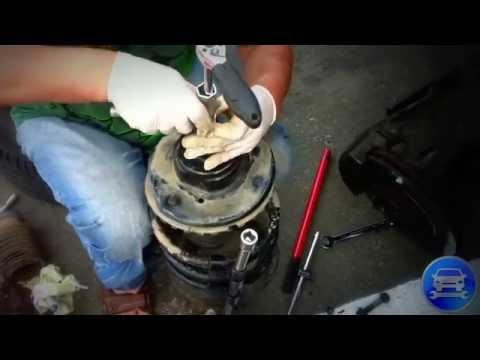 How to replace front shock absorber Chrysler voyager Как поменять стойку амортизатора