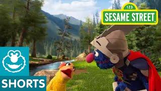 getlinkyoutube.com-Sesame Street: Super Grover Helps a Duck to a Party