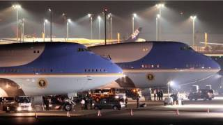 getlinkyoutube.com-Air Force One 羽田空港に飛来