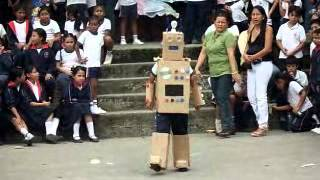 getlinkyoutube.com-robot de carton, material reciclado