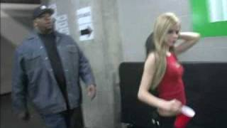 getlinkyoutube.com-Avril Lavigne very Funny