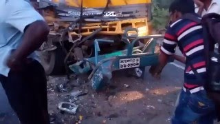 getlinkyoutube.com-Bangladesh Road Accident