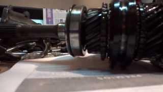 getlinkyoutube.com-1987 Corolla GT AE86 Gearbox Rebuild - Part 5.8 - Main Gear Shaft Detail