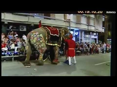 incidente elefante moros y cristianos ontinyent - antena3 noticias