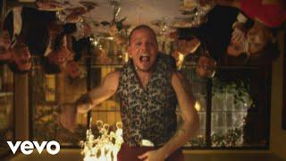 getlinkyoutube.com-Calle 13 - Vamo' A Portarnos Mal