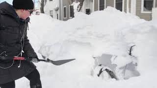 Evite contratiempos en la salud antes de palear nieve en este clima frio