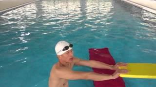 getlinkyoutube.com-陽文濱游泳教學工作室--利用游泳教學椅練習自由式打水加換氣