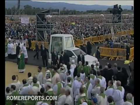 Pope in Calabria talks about ways to stop crime