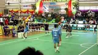 getlinkyoutube.com-Sepak Takraw Game in  Thai(-17 age, man semifinal)